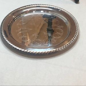 "Oneida Silversmiths 10"" Round Tray Orange Package"